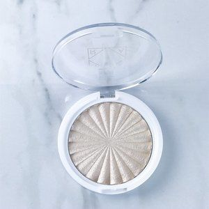 OFRA Highlighter Star Island Pressed Glow